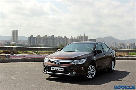 Price Of Toyota Camry In Delhi Toyota India Reduces The Price For The Camry Hybrid By Inr