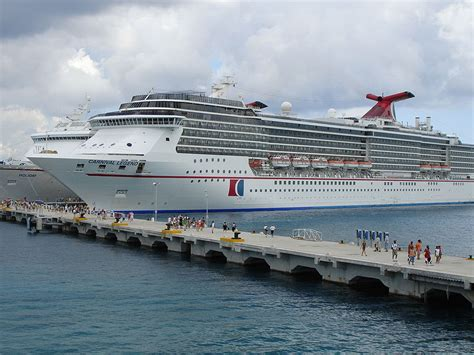 boat crash captains quarters another carnival cruise ship having issues gcaptain