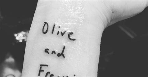 drew barrymore tattoo removal quot olive and frankie quot on drew barrymore s right