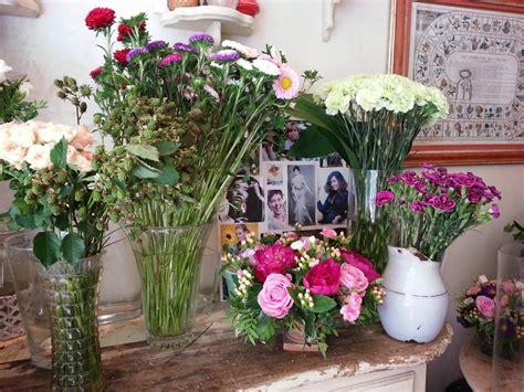 fumagalli fiori foglie fiori e fantasia e i garofanini a forma di