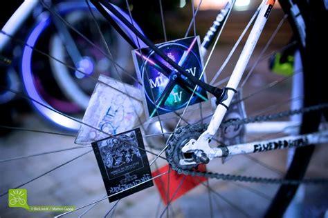 i bike testo cosa sono le corse urbane in bici alley cat race