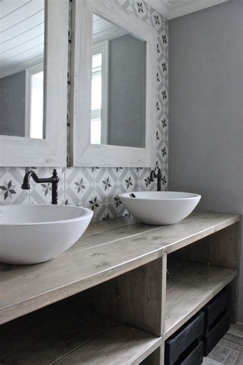 Modern Vintage Bathroom 17 Best Ideas About Modern Vintage Bathroom On Vintage Bathroom Tiles Vintage