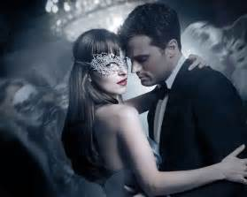 Wedding Programs Fans Fifty Shades Christian Grey Used A 215 Ring Box To Propose