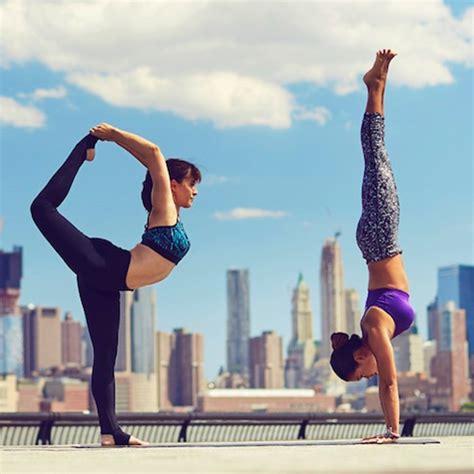 imagenes de yoga challenge strike a pose 30 day yoga challenge to get your vinyasa