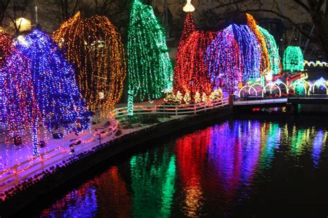 make memories at hersheypark christmas candylane