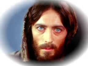 jesus eye color jesus praying wallpaper imagefully