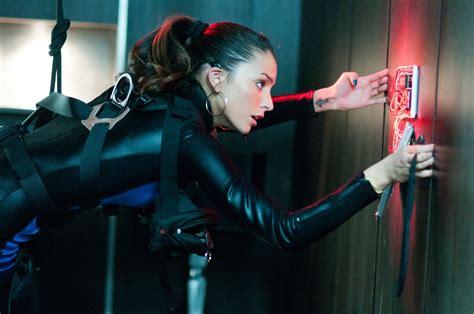 daftar film fiksi erotis man on a ledge review collider