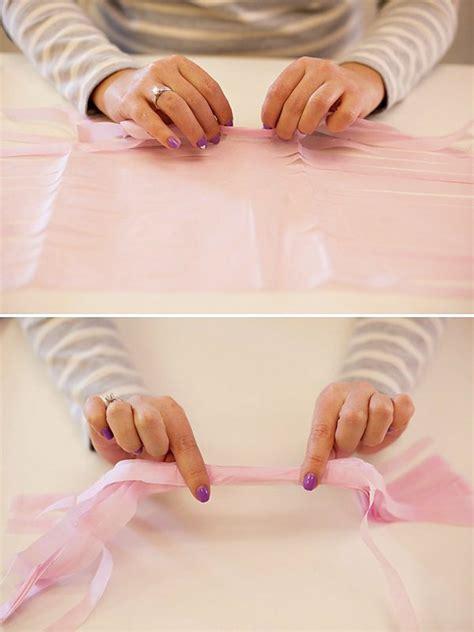 Faire Des Pompons En Papier by Diy Comment Fabriquer Une Guirlande De Pompons En Papier