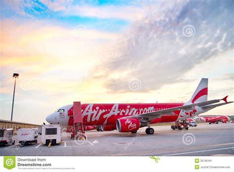 airasia malaysia terminal kuala lumpur airport editorial photo image 35756181