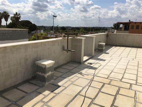piastrelle da terrazzo piastrelle e sigillante terrazzo lastrico brutto da vedere