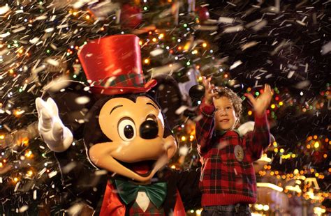 thrills celebrate christmas   walt disney worlds theme parks  hotels