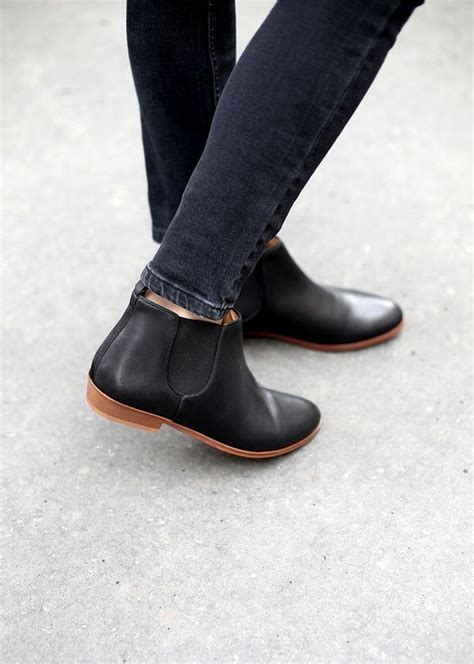 flat bootie best 25 flat ankle boots ideas on pinterest flat