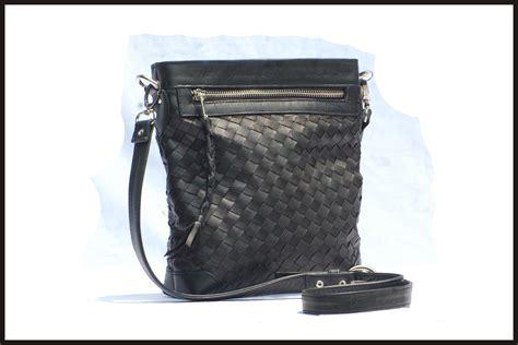 Paulsolemates Sling Bag Aksesories Tas Kulit Asli tas kulit aslitas kulit asli page 19 of 25 tas kulit tas kulit asli tas kulit ular