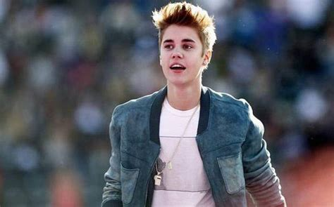 justin bieber biography in afrikaans these pictures of singer justin bieber on table mountain