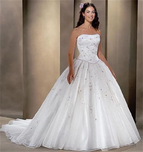 14 Most Beautiful Designer Wedding Gowns For Winter 2009 2010 by Today Most Beautiful Wedding Dresses