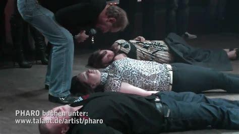 hypnose schlaf pharo hypnose show 2010 die kurze fassung