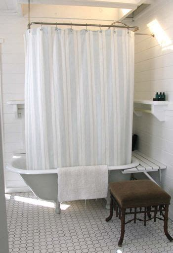 Clawfoot Bathtub Shelf by Tubs Clawfoot Tubs And Shelves On