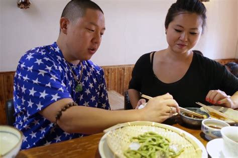 fresh off the boat full episodes youtube fresh off the boat with eddie huang shanghai part 2