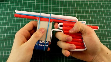 How To Make Paper Weapons That Work - handfeuerwaffen aus papier gebaut was is hier eigentlich