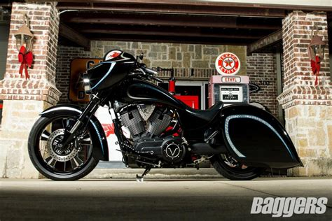 Custom Victory Kingpin 8 Ball   Baggers