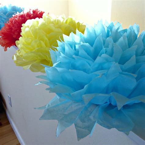 Handmade Birthday Decorations - tutorial how to make diy tissue paper flowers