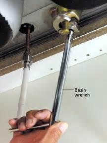 superior Kitchen Sink Wrench #1: p_SCP_084_05.jpg