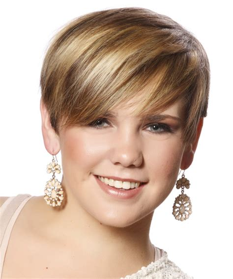 short straight casual hairstyle  side swept bangs