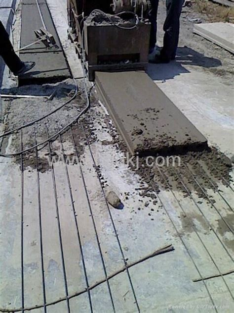 Precast hollow core floor slab machine   TW slab machine