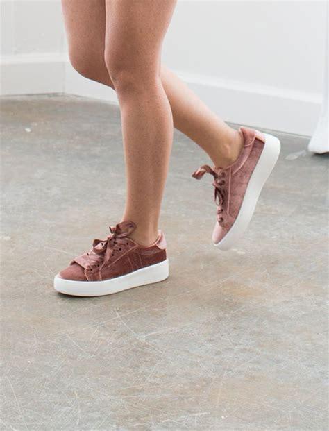 trendy shoes best 25 trendy shoes ideas on vans fitness