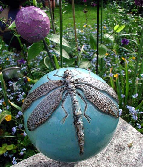 keramikkugel garten die 25 besten ideen zu ton kunst auf