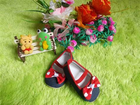 Sepatu Pita Merah Polka sepatu prewalker bayi denim pita merah jual sepatu bayi grosir sepatu bayi jual kaos kaki