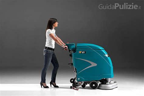 pulitrice pavimenti pulitrici e scope industriali i macchinari di pulizia pi 249