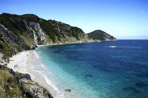 best beaches near tuscany top beaches in tuscany best beaches along tuscany coast