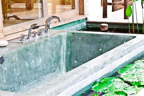 vasca da bagno esterna vasca da bagno esterna della in giardino 1