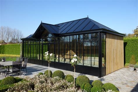 Tuinkamer Poolhouse Hout Aluminium Zwart Veranda Pergola