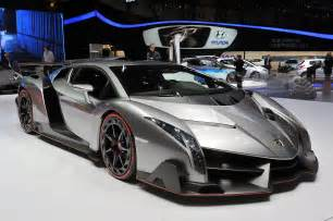 Lamborghini Venno Take A Closer Look At Lamborghini S Outrageous Veneno W