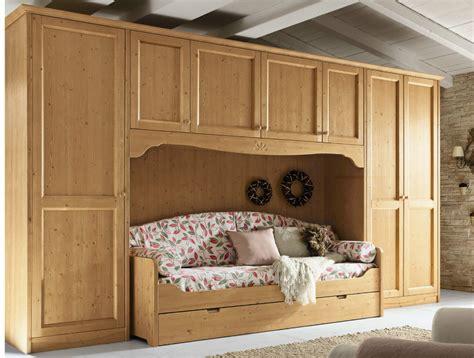 camere da letto in legno da letto in legno in stile country every day
