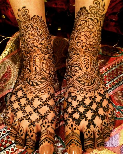 hire white lotus mehndi henna artist in