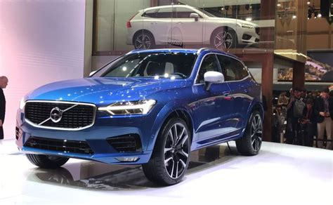 new volvo cx60 geneva motor show 2017 volvo unveils new xc60 will come