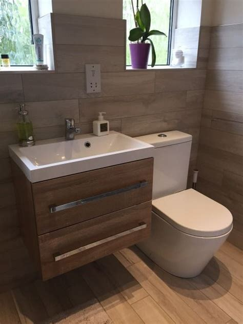 ensuite bathroom sinks 25 best ideas about wall hung toilet on tiny