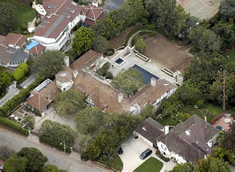 celebrity house jennifer aniston and brad pitt photos photos celebrity