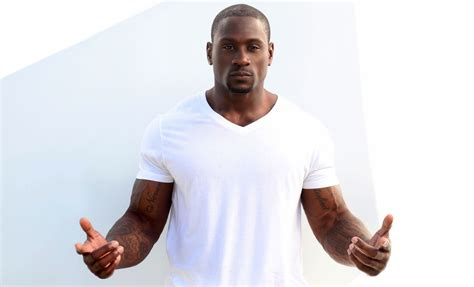 actor thomas jones be modern man meet pro running back turned actor thomas