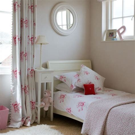 pretty bedroom curtains pretty pink girl s bedroom children s room idea