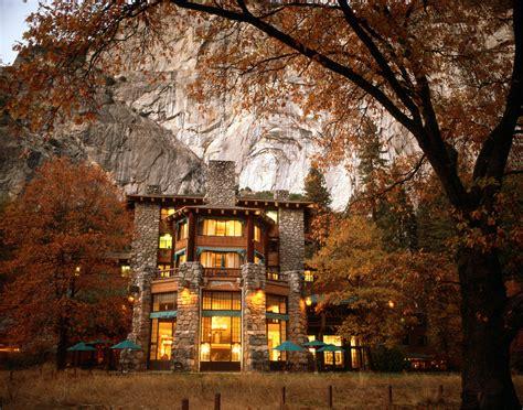 yosemite national park lodging the ahwahnee hotel luxury yosemite lodging all roads
