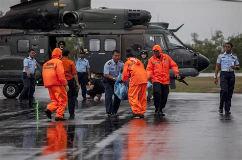 airasia victims some airasia flight 8501 victims found belted in seats