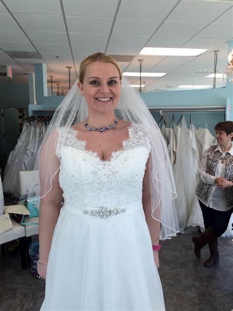 v neck wedding dress did you wear a necklace pics