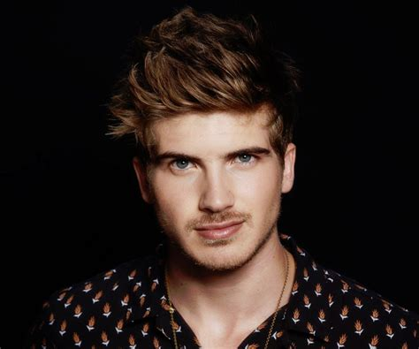 joey graceffa joey graceffa bio facts personal of youtuber actor author