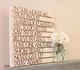 Diy Wall Decor by Diy Pallet Wall Of Family Home