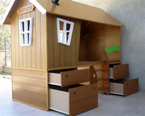 cabane dans chambre lit cabane pour chambre d enfant