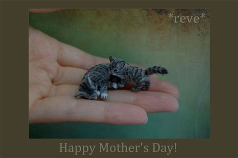 Handmade Miniatures - handmade miniature cat and kitten sculptures by